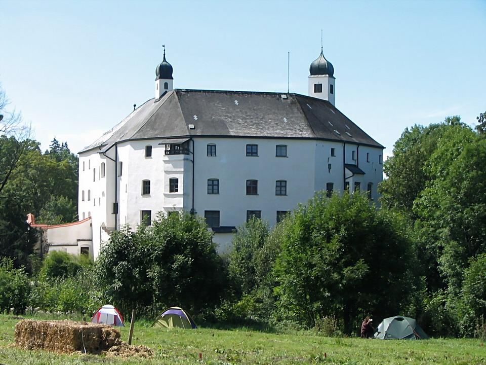 Schloss_amerang_Größenveränderung